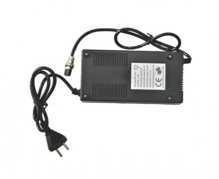 Универсальное зарядное устройство для гироскутера